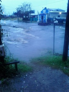 El agua que había en el barrio Garin Oeste