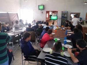 Almuerzo en la previa del partido de Los Pumas.