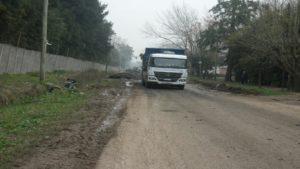 Camion que sacaba basura del lugar