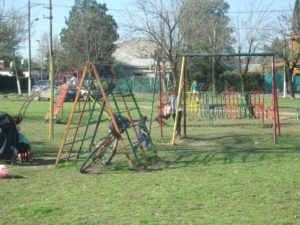 Los juegos de la plaza, también abandonadas, los que arreglara y renovara la comisión de FCVA