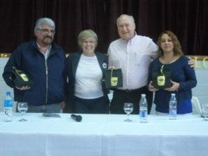 El Dr. Batalla junto a Juan Pablo Beliera, Yolanda Bedino y Laura Noya