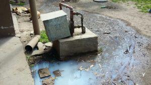 """El agua invade la vivienda donde funciona el merendero """"Luz Clarita"""""""